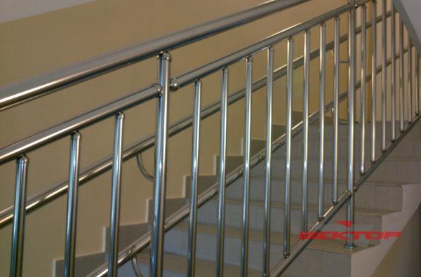 ограждения для школ и детских садов с вертикальным заполнением и двумя поручнями
