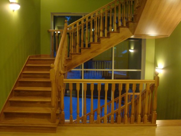 Маршевая лестница - деревянные