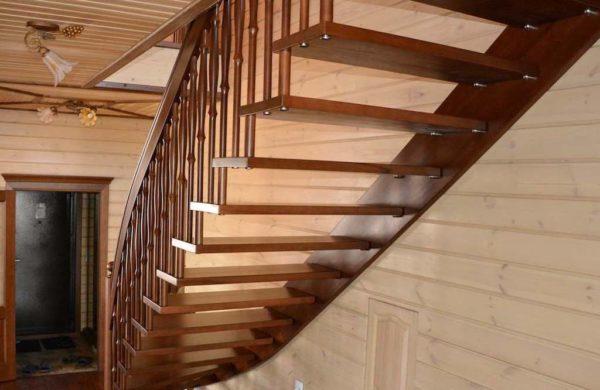 Лестница на больцах 2